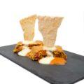 Pastel de verduras con salsa de piquillo y crema de queso Idiazábal